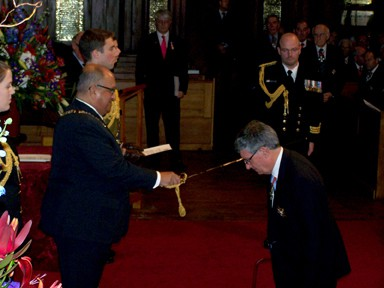 Professor Sir Paul Callaghan gets knighted