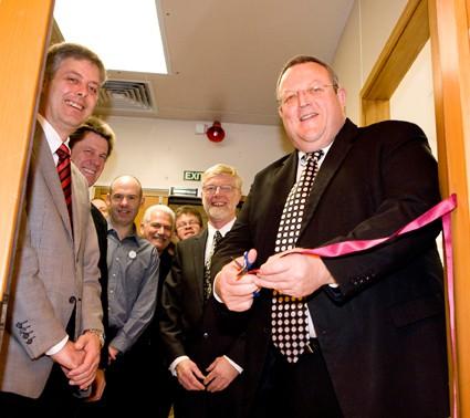 Hon Gerry Brownlee opens refurbished laboratories
